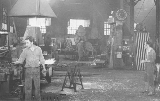 Ovar workshop workers