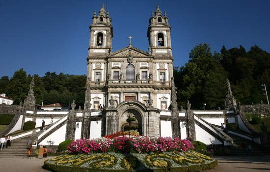 Discover Braga by train